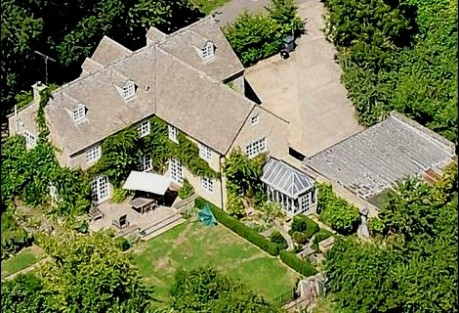 cuts david cameron's cotswolds home